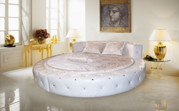 Смотреть кровати двуспальные фото