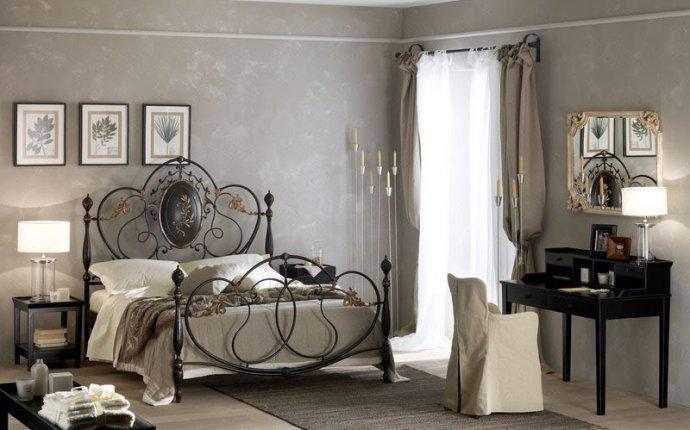 Дизайн спальни с кованной
