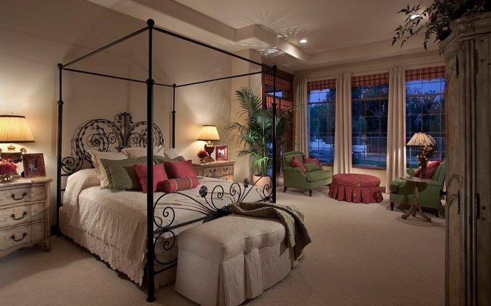 спальни с кованой кроватью